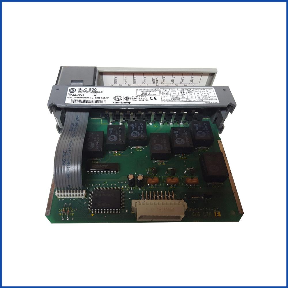 Allen Bradley 1746-OX8IO Output Module SLC 500 Processors
